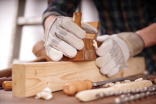 Holz und Kunststoff: Mehr Geld ab Mai